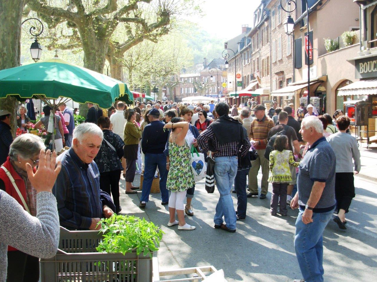 Marché de Marcillac-Vallon, tous les dimanches matin