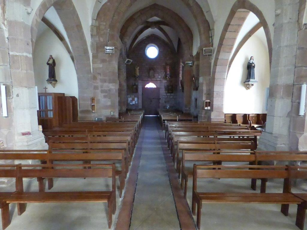 Intérieur église de Nauviale